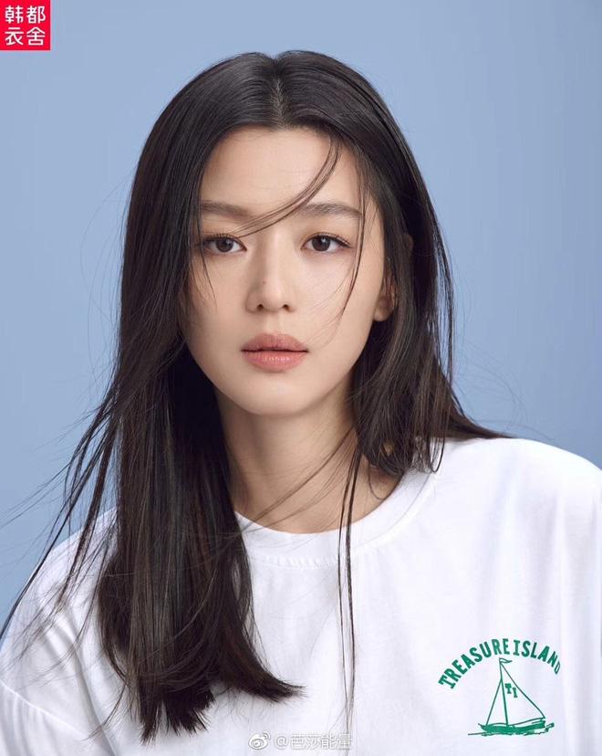 Vạn kiếp bị chê nhạt nhưng Song Hye Kyo lại là người có style tóc 'tắc kè hoa' nhất trong số ngũ đại mỹ nhân Kbiz - Ảnh 2
