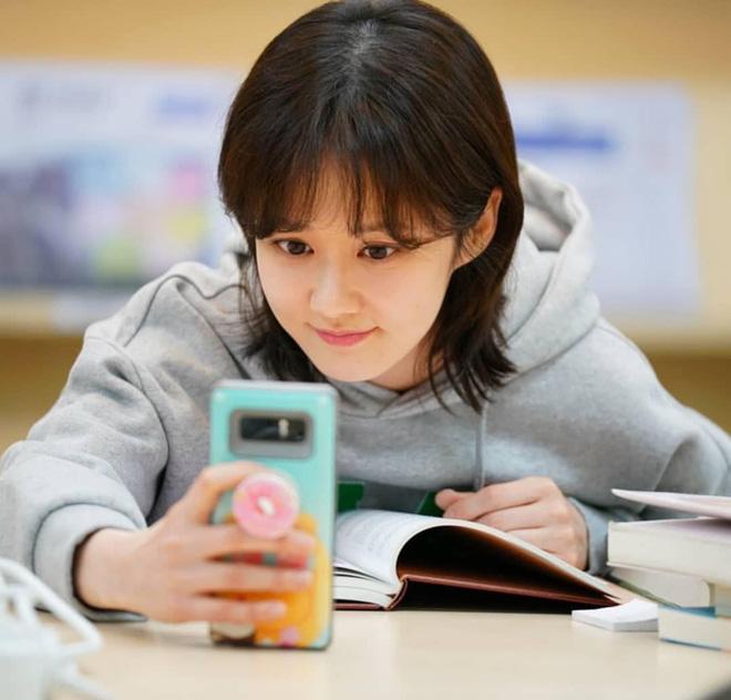 Vạn kiếp bị chê nhạt nhưng Song Hye Kyo lại là người có style tóc 'tắc kè hoa' nhất trong số ngũ đại mỹ nhân Kbiz - Ảnh 13