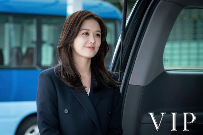 Vạn kiếp bị chê nhạt nhưng Song Hye Kyo lại là người có style tóc 'tắc kè hoa' nhất trong số ngũ đại mỹ nhân Kbiz - Ảnh 14