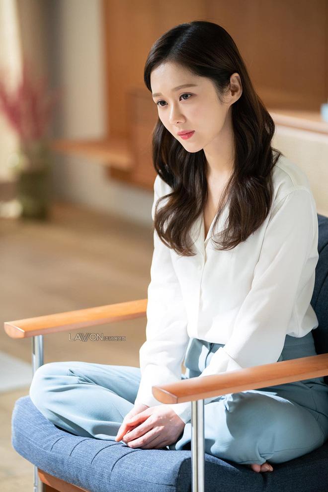 Vạn kiếp bị chê nhạt nhưng Song Hye Kyo lại là người có style tóc 'tắc kè hoa' nhất trong số ngũ đại mỹ nhân Kbiz - Ảnh 16