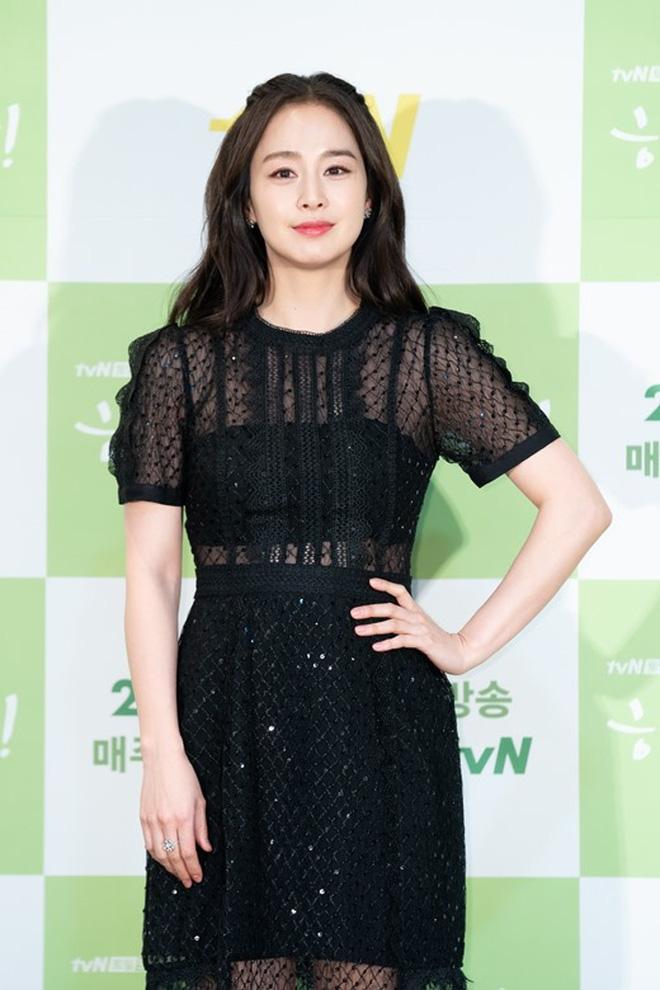 Vạn kiếp bị chê nhạt nhưng Song Hye Kyo lại là người có style tóc 'tắc kè hoa' nhất trong số ngũ đại mỹ nhân Kbiz - Ảnh 19