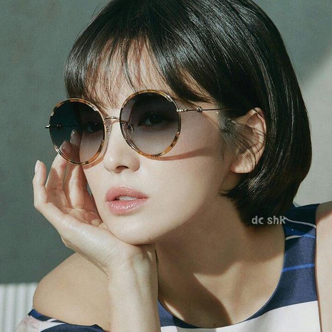 Vạn kiếp bị chê nhạt nhưng Song Hye Kyo lại là người có style tóc 'tắc kè hoa' nhất trong số ngũ đại mỹ nhân Kbiz - Ảnh 12
