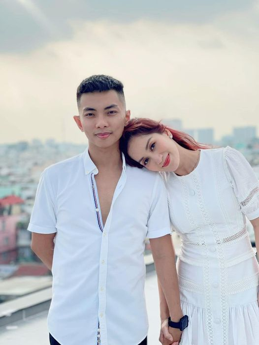 Sao Việt 24h: Các cặp đôi thi nhau khoe ảnh 'tình bể bình', Thu Minh 'tấu hài' cực mạnh trong phòng tập - Ảnh 5
