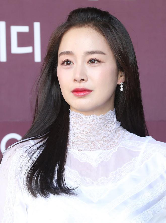 Vạn kiếp bị chê nhạt nhưng Song Hye Kyo lại là người có style tóc 'tắc kè hoa' nhất trong số ngũ đại mỹ nhân Kbiz - Ảnh 20