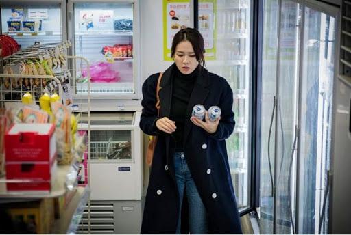 Dù quần jeans dáng ôm có hot hay không, Son Ye Jin vẫn chẳng ngán diện từ phim đến đời thực - Ảnh 8