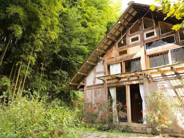 Ngôi nhà nhỏ bình yên mang phong cách H'mông giữa núi rừng Sapa