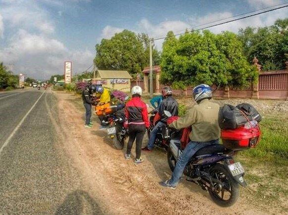 3 căn bệnh đeo bám day dẳng, người bệnh toàn làm bạn với 'nhức và đau' khi đi xe máy đường dài