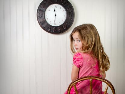 Phương pháp dạy con không đòn roi 'Time Out': Làm thế nào để trẻ thực sự nghe lời mà không bị 'ép phải ngoan'