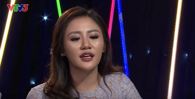 Xuất hiện với gương mặt thiếu tự nhiên, Văn Mai Hương bị chê xuống sắc - Ảnh 3