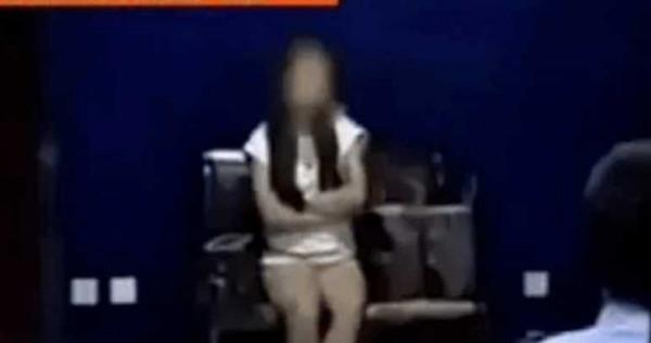 Đi taxi không có tiền trả, cô gái tốc váy làm hành động hư hỏng khiến tài xế điếng hồn - Ảnh 1