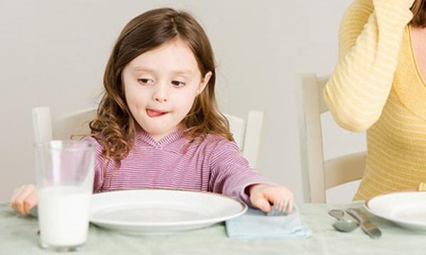 Đồ ăn, thức uống trẻ nào cũng thích nhưng lại kìm hãm chiều cao và trí não - Ảnh 5