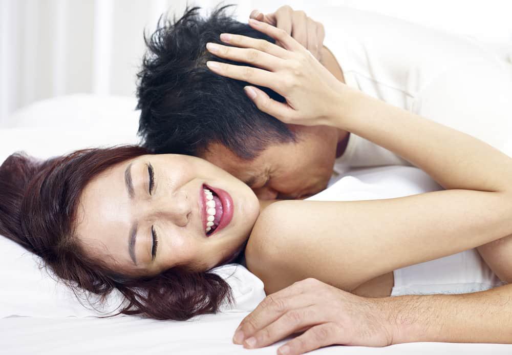 Làm 4 việc này vợ giận dỗi đến mấy cũng mặn nồng như mới yêu - Ảnh 1