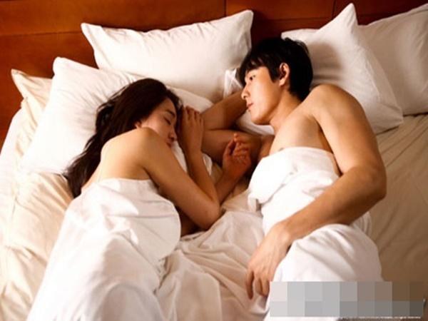 Hối hận vì biết quá trễ, 3 lý do khiến chồng không còn mặn mà chuyện chăn gối với vợ nữa