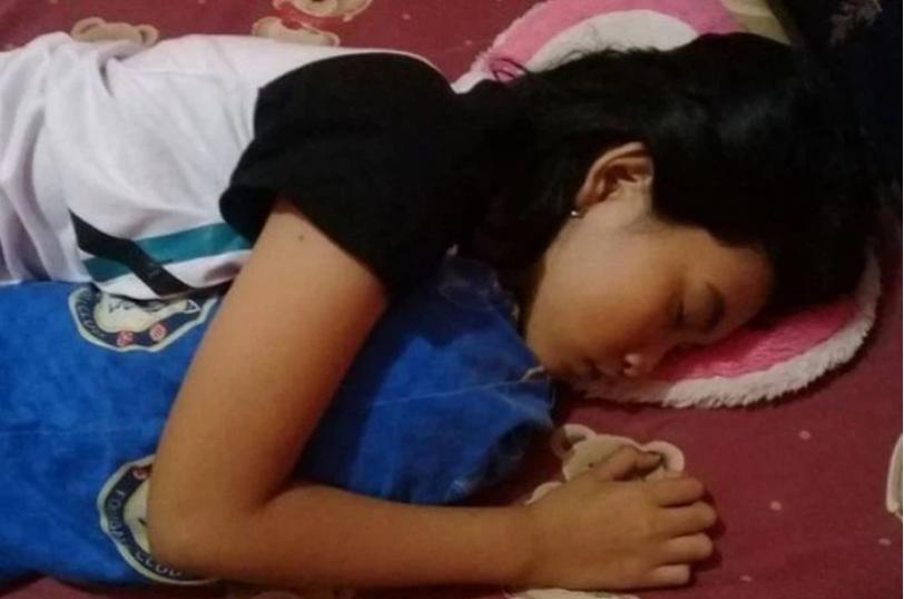 Quá lo lắng vì con gái 16 tuổi ngủ li bì trong 7 ngày liên tục, bố mẹ 'vác' con đi khám rồi sững sờ khi biết con mắc hội chứng 'Công chúa ngủ trong rừng' - Ảnh 2