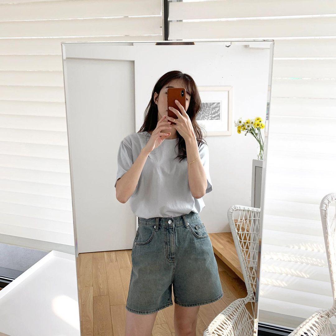 Hội sành điệu toàn mix quần shorts với 5 kiểu áo này để có outfit đẹp hết chỗ chê - Ảnh 7