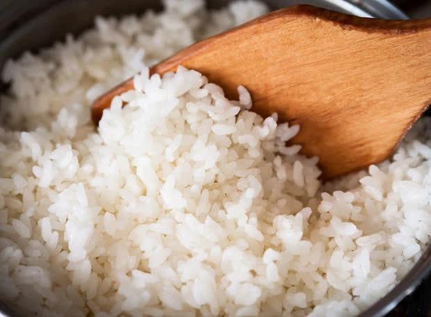 6 món không nên hâm nóng lại nhiều lần trong dịp Tết, cố ăn vào chỉ làm tổn hại nội tạng, sinh chất gây ung thư - Ảnh 1