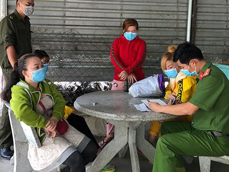 Bình Dương: Hơn 10 quán cà phê 'kích dục' cho khách bị phát hiện