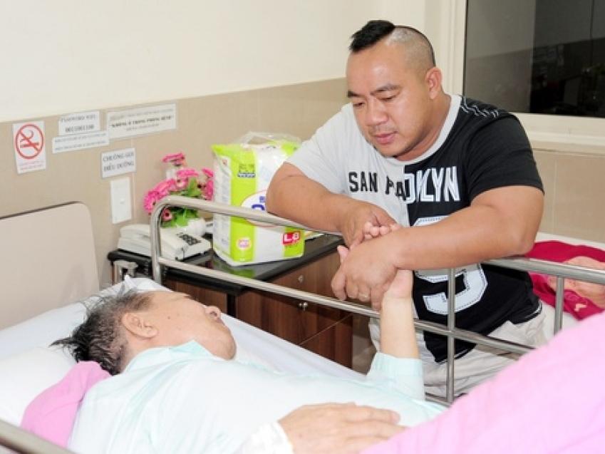 NS Đức Lang - bố diễn viên Hiếu Hiền qua đời, dàn sao Việt ngậm ngùi xót thương