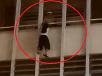 Người cứu nữ sinh đu lan can tầng 3 là bảo vệ trường: 'Trước đó tôi thấy cháu đi lung tung và có biểu hiện bất thường'