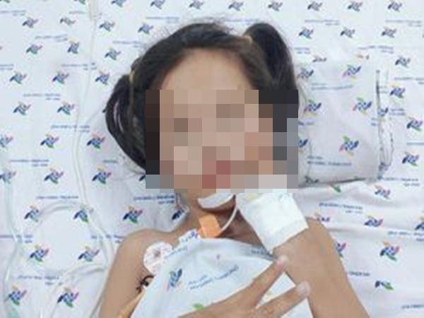 Bé gái 7 tuổi mất khả năng đi lại vì mắc chứng rối loạn thần kinh hiếm gặp