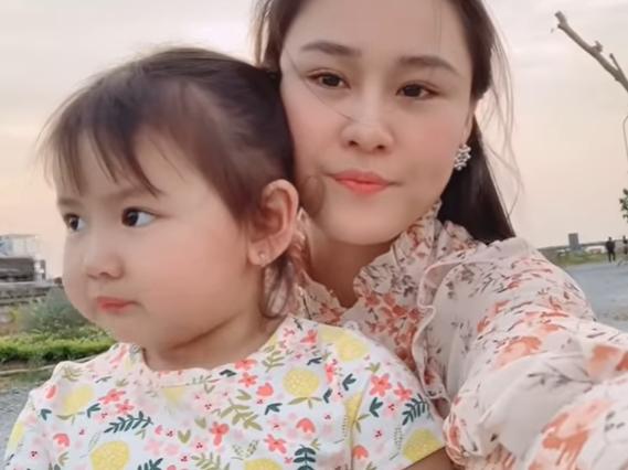Vợ Vân Quang Long: Cuộc đời này nhất giả nhất thật, tôi không đi mượn hay xin tiền ai hết